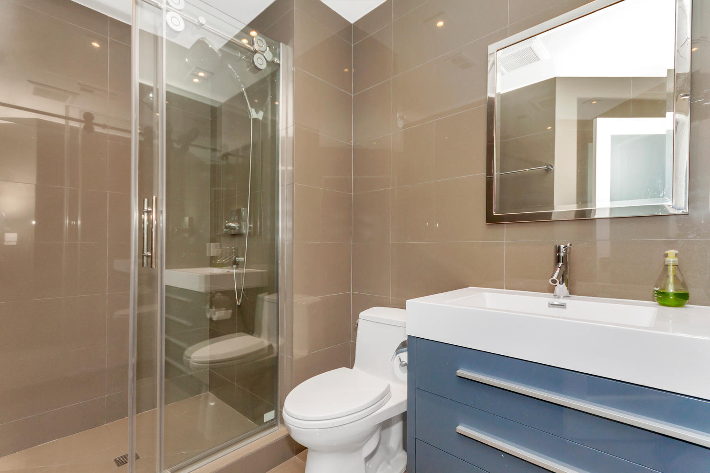 222 Breezewalk Dr Vallejo CA-large-026-6-Third Bathroom-1500x1000-72dpi.jpg