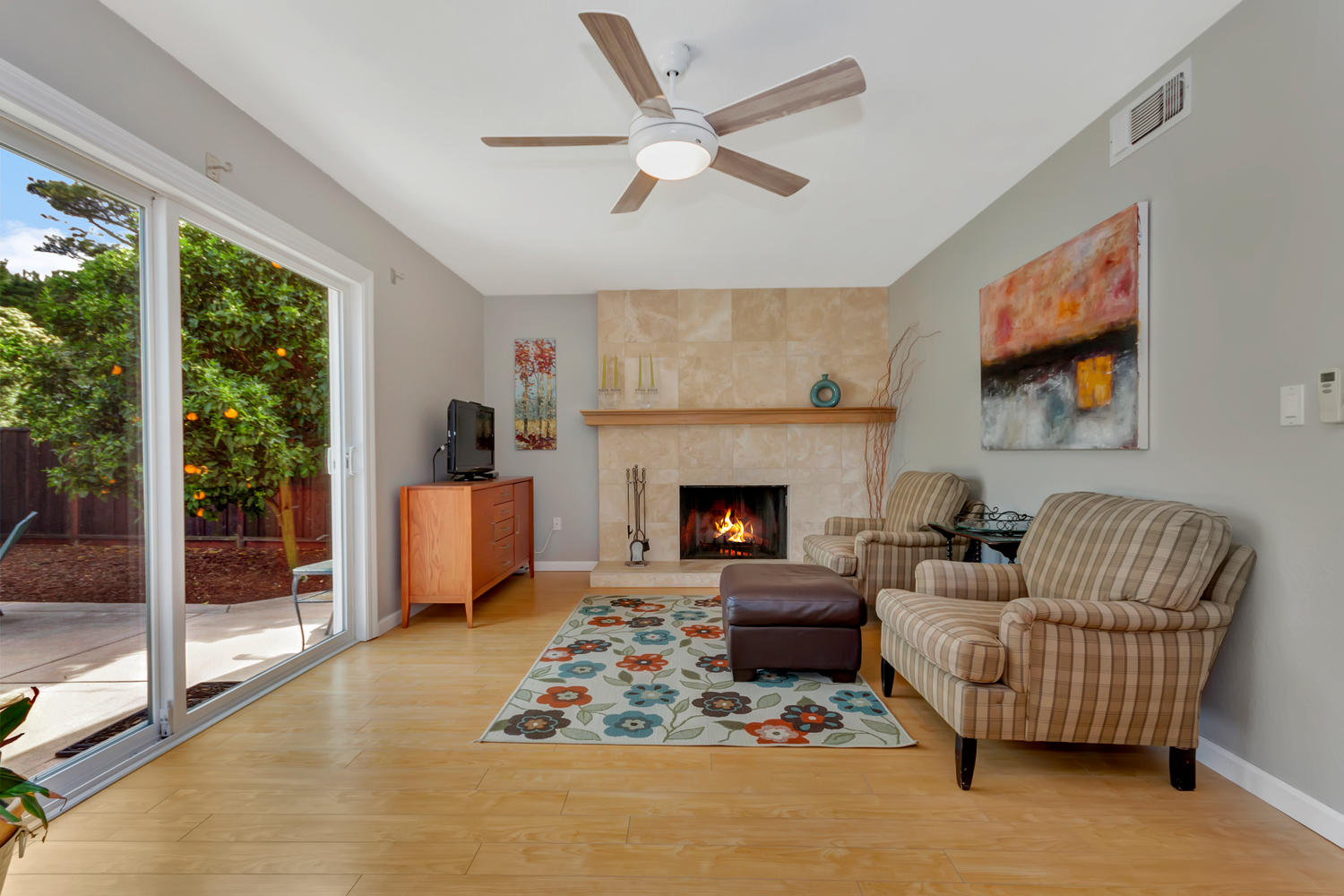 355 W Seaview Dr Benicia CA-large-011-32-Family Room 1a-1500x1000-72dpi.jpg