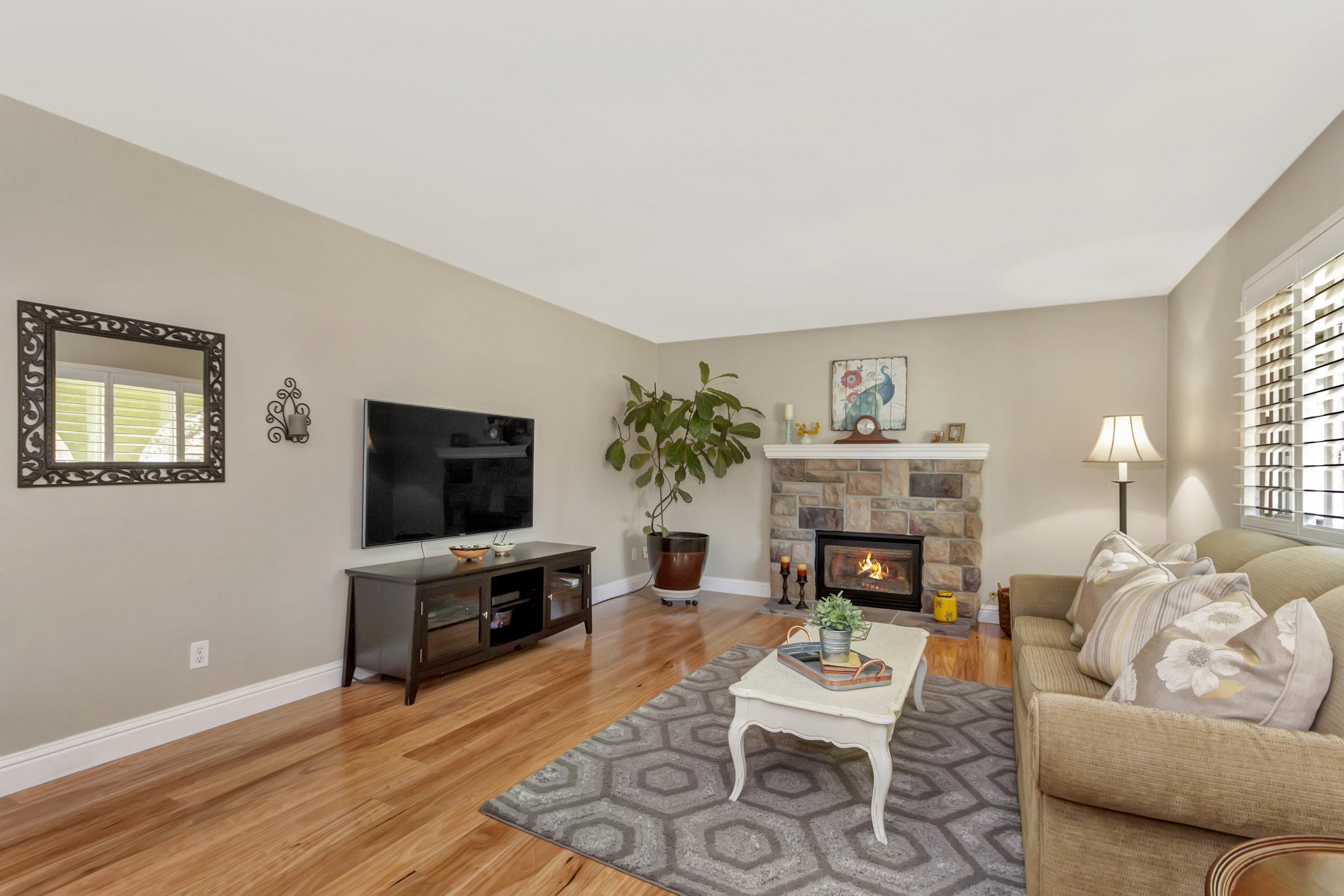 2135 Casa Grande Street-print-006-4-Living Room 3a-4200x2801-300dpi.jpg
