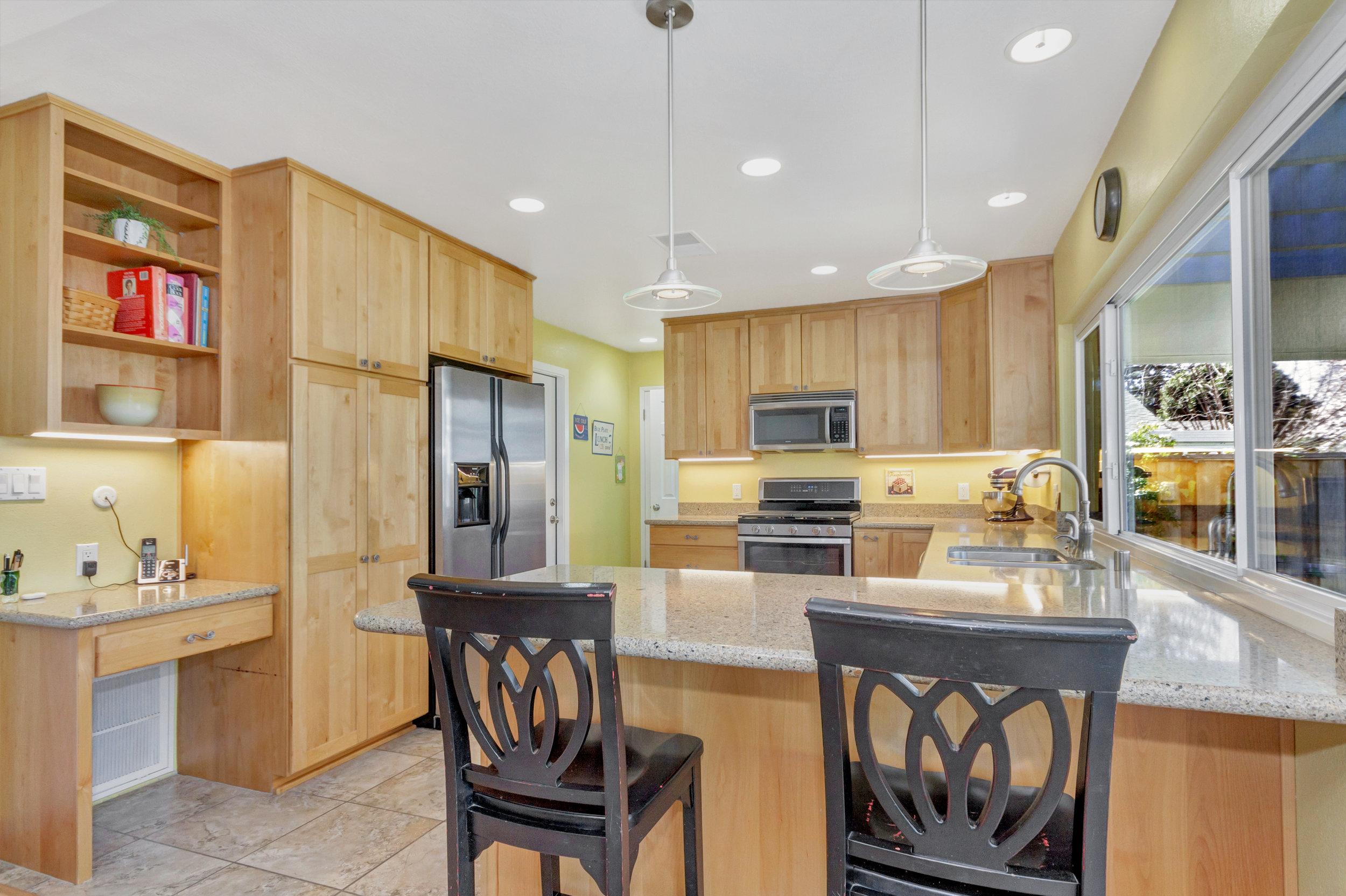 2135 Casa Grande Street-print-015-15-Kitchen 5a-4200x2797-300dpi.jpg