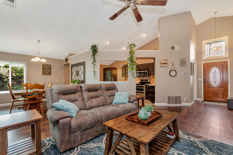 508 Poppy Circle Benicia CA-large-005-11-Family Room 3a-1500x1000-72dpi.jpg