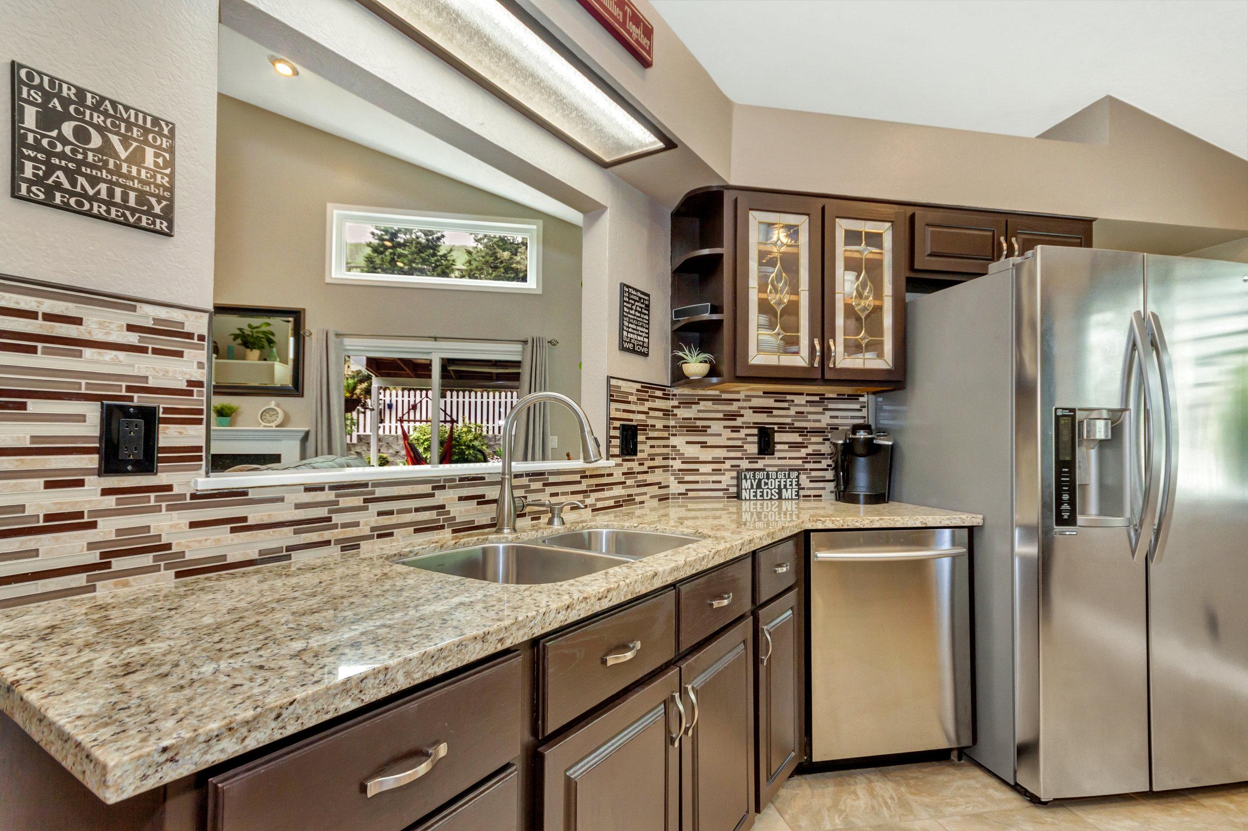 508 Poppy Circle Benicia CA-print-011-22-Kitchen 5a-4200x2798-300dpi.jpg
