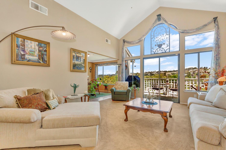 140 Live Oak Ct Vallejo CA-large-005-10-Living Room 1a-1500x1000-72dpi.jpg