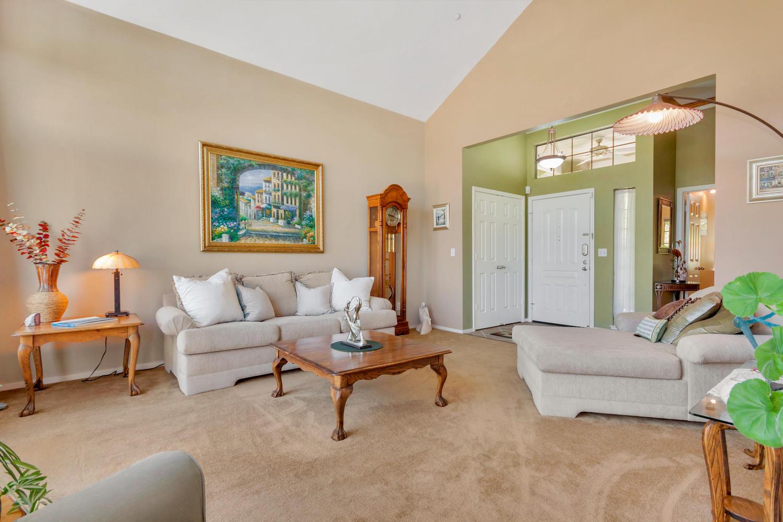 140 Live Oak Ct Vallejo CA-large-007-8-Living Room 3-1500x1000-72dpi.jpg