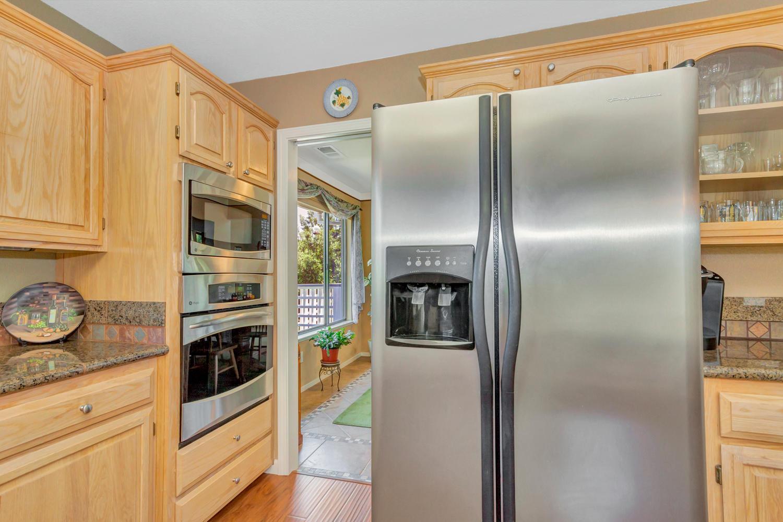 140 Live Oak Ct Vallejo CA-large-012-13-Kitchen 3a-1500x1000-72dpi.jpg