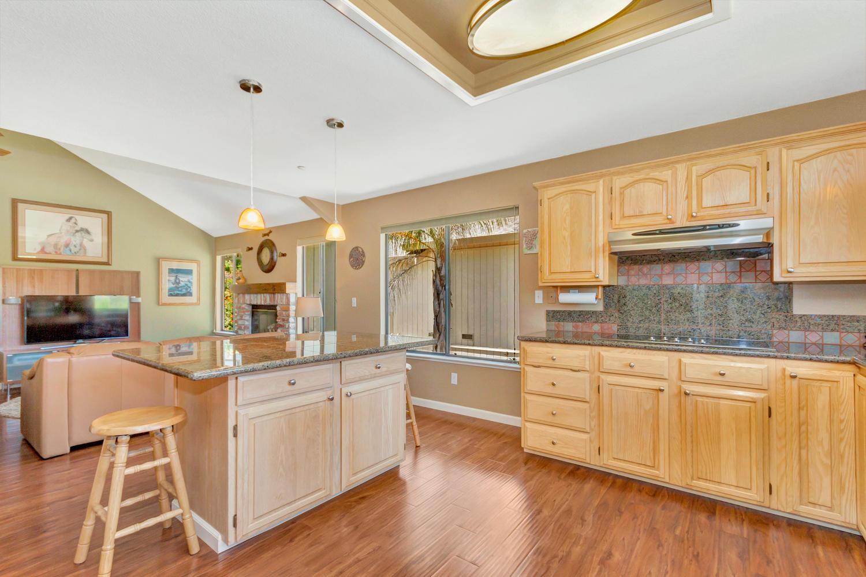 140 Live Oak Ct Vallejo CA-large-013-23-Kitchen 4a-1500x1000-72dpi.jpg