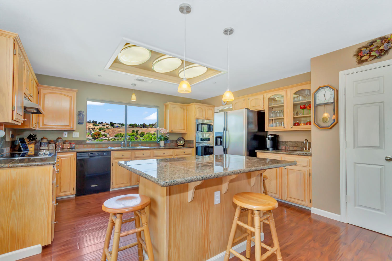 140 Live Oak Ct Vallejo CA-large-015-21-Kitchen 6a-1500x999-72dpi.jpg