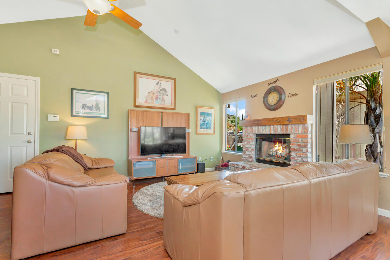 140 Live Oak Ct Vallejo CA-large-016-5-Family Room 1a-1500x999-72dpi.jpg
