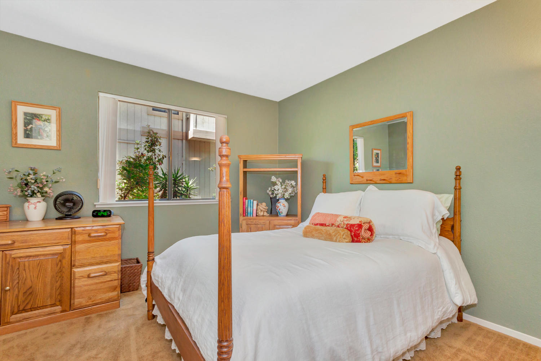 140 Live Oak Ct Vallejo CA-large-023-16-Second Bedroom 1a-1500x1000-72dpi.jpg