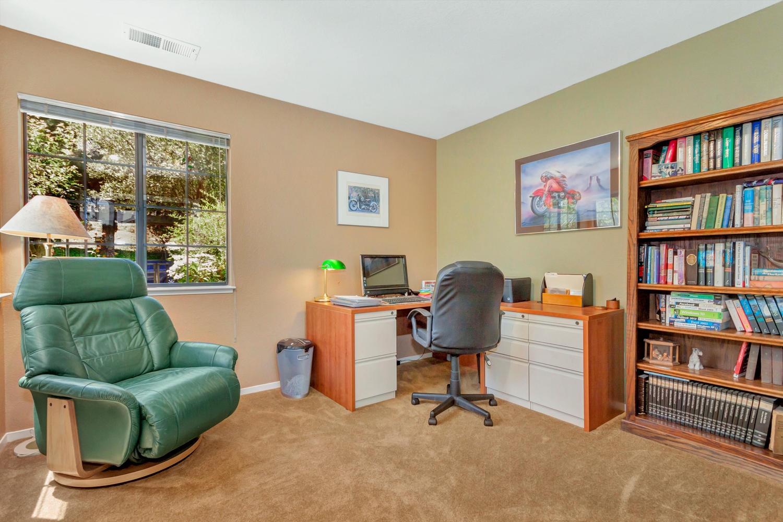 140 Live Oak Ct Vallejo CA-large-027-26-Office 1a-1500x1000-72dpi.jpg