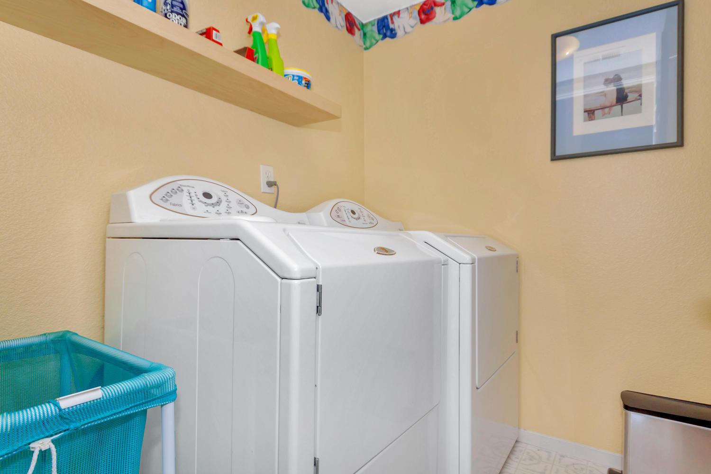 140 Live Oak Ct Vallejo CA-large-028-3-Laundry-1500x1000-72dpi.jpg