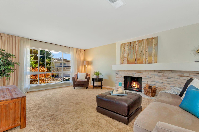 366 W Seaview Dr Benicia CA-large-004-16-Living Room 1a-1500x1000-72dpi.jpg