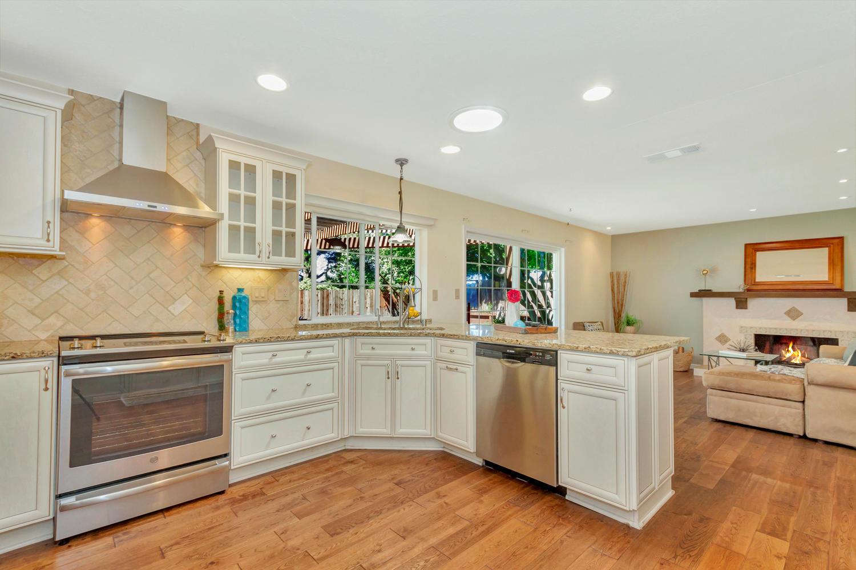 366 W Seaview Dr Benicia CA-large-010-12-Kitchen 3a-1500x1000-72dpi.jpg