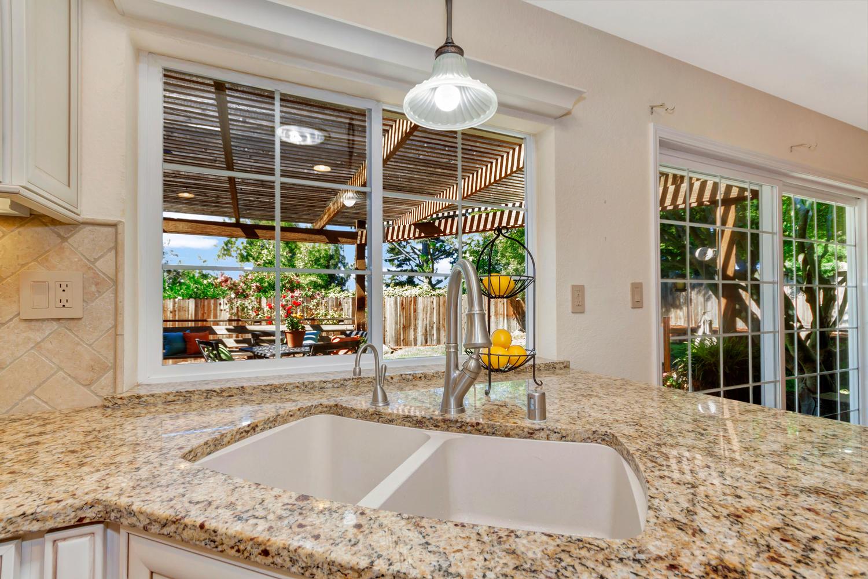 366 W Seaview Dr Benicia CA-large-012-10-Kitchen 5a-1500x999-72dpi.jpg