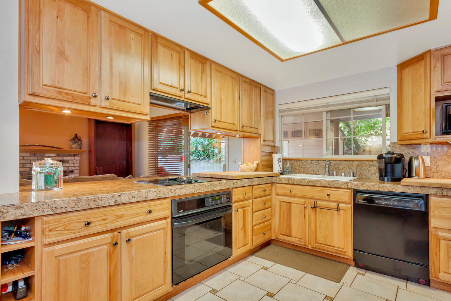 1302 W 13th St Benicia CA-large-010-26-Kitchen 1-1500x1000-72dpi.jpg