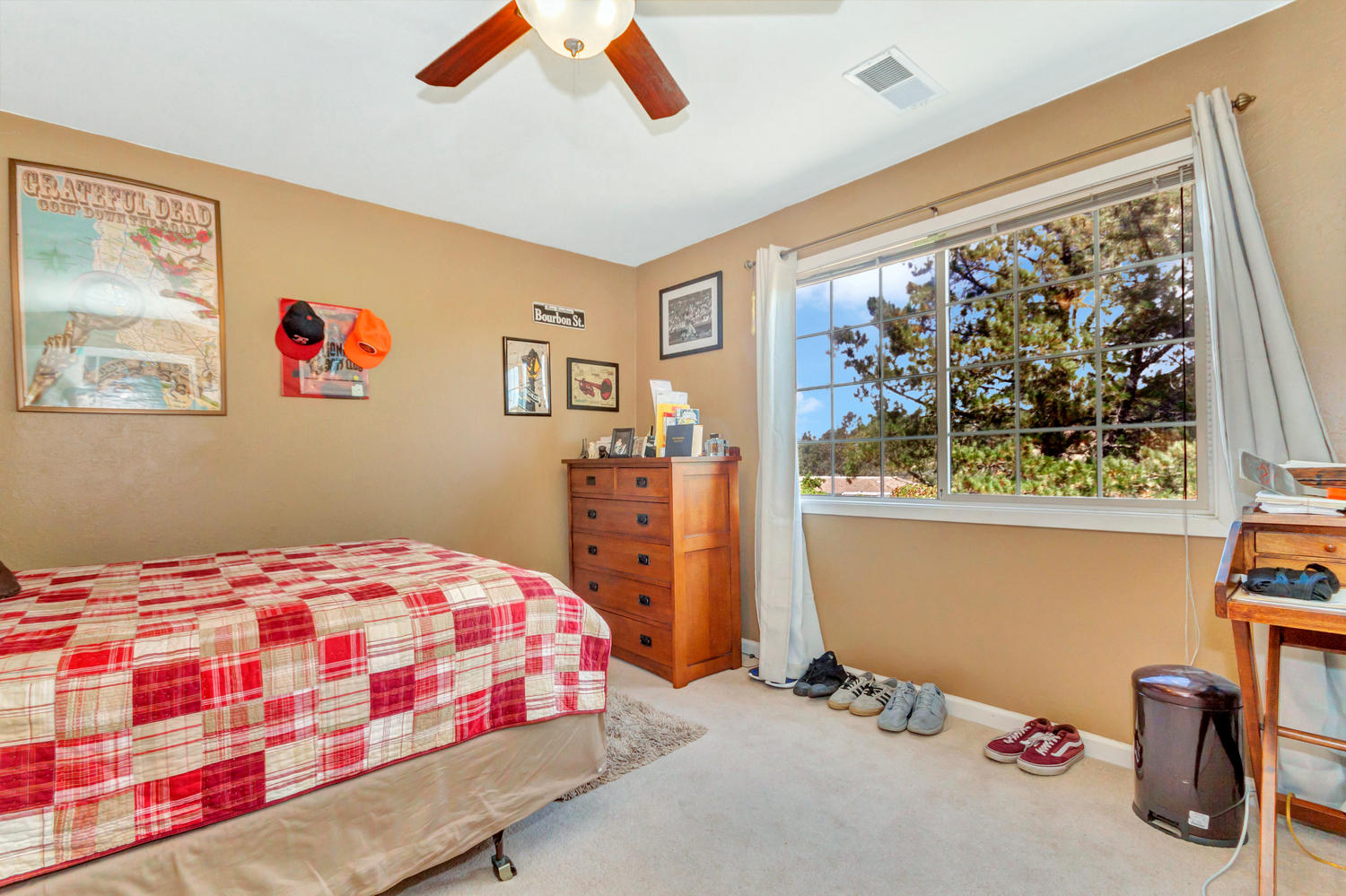 1302 W 13th St Benicia CA-large-022-20-Second Bedroom 1a-1500x1000-72dpi.jpg