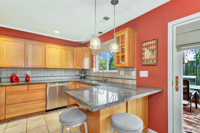 530 Laurel Ct Benicia CA 94510-large-011-17-Kitchen 1a-1500x1000-72dpi.jpg