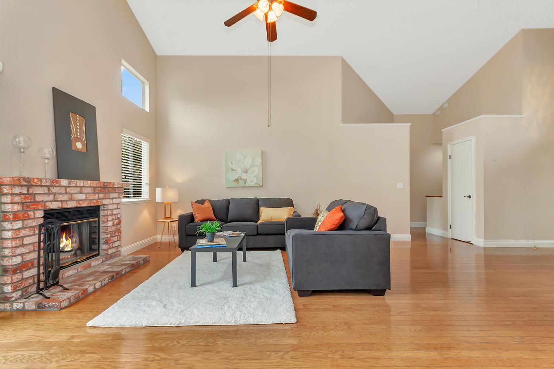 742 Barton Way Benicia CA-large-003-6-Family Room 1a-1500x1000-72dpi.jpg