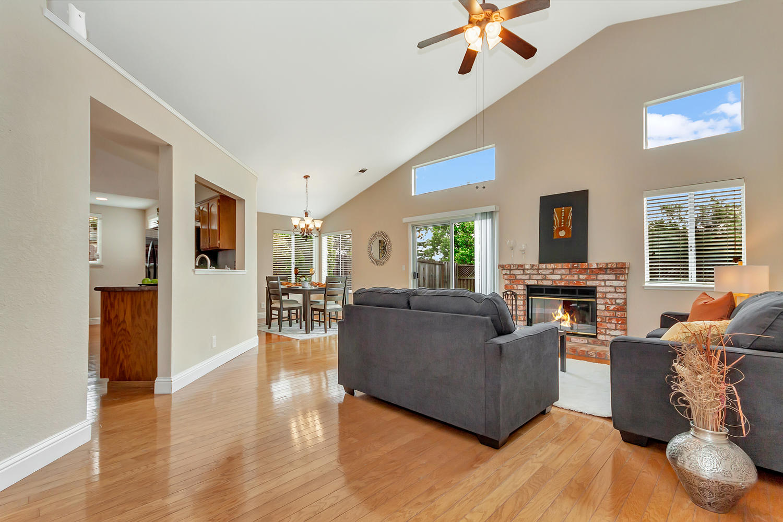 742 Barton Way Benicia CA-large-004-24-Family Room 2a-1500x1000-72dpi.jpg