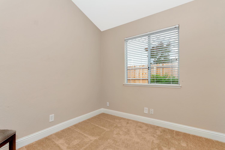 742 Barton Way Benicia CA-large-021-18-Bedroom 1-1500x1000-72dpi.jpg