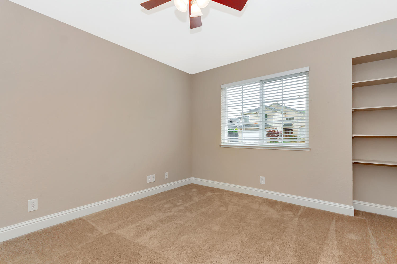 742 Barton Way Benicia CA-large-023-3-Bedroom 2-1500x1000-72dpi.jpg