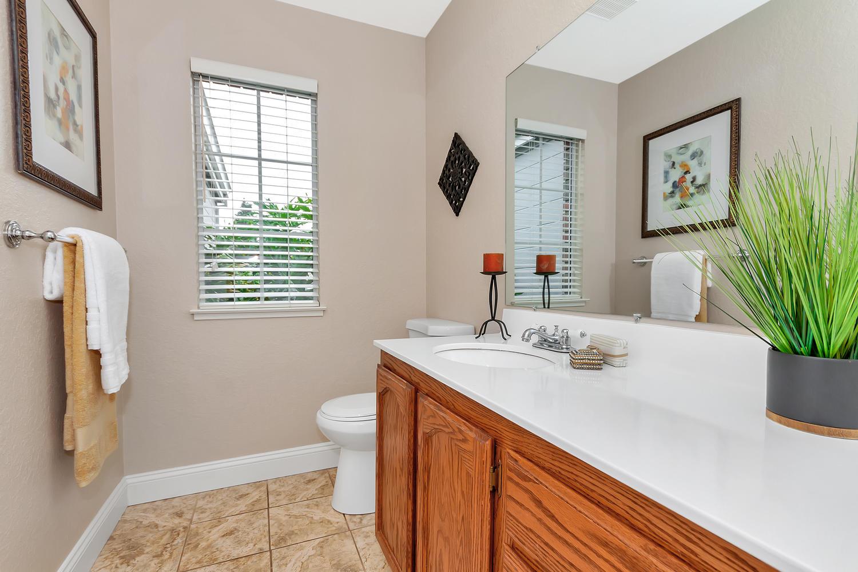742 Barton Way Benicia CA-large-024-8-Bathroom 2-1500x1000-72dpi.jpg