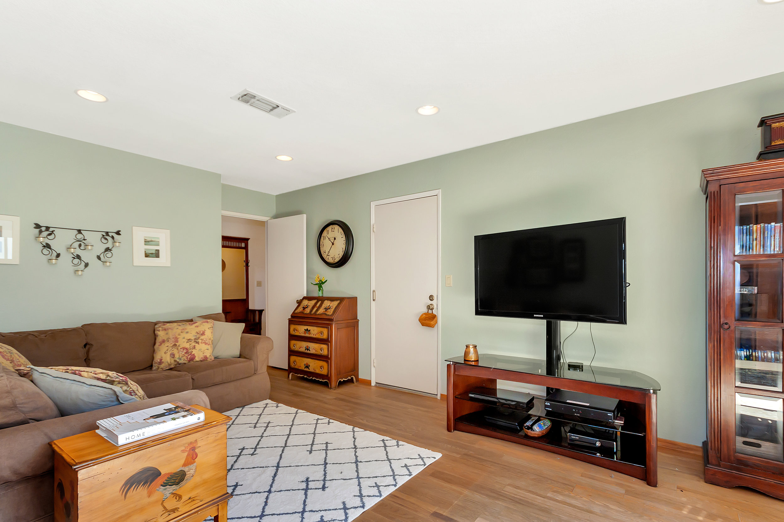 388 W Seaview Dr Benicia CA-print-011-004-Family Room 1-4200x2800-300dpi.jpg