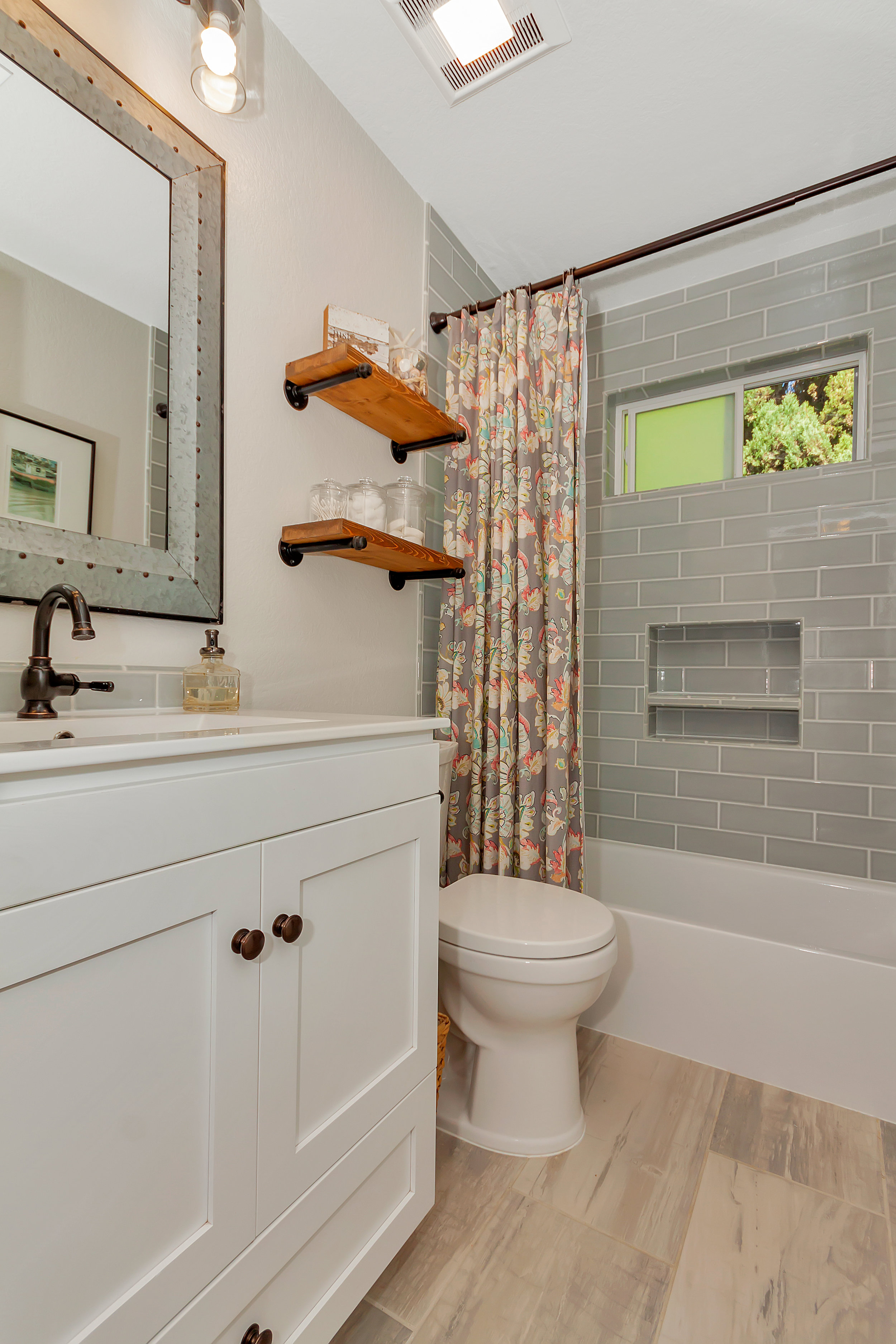 388 W Seaview Dr Benicia CA-print-024-001-Bathroom 2-2800x4200-300dpi.jpg