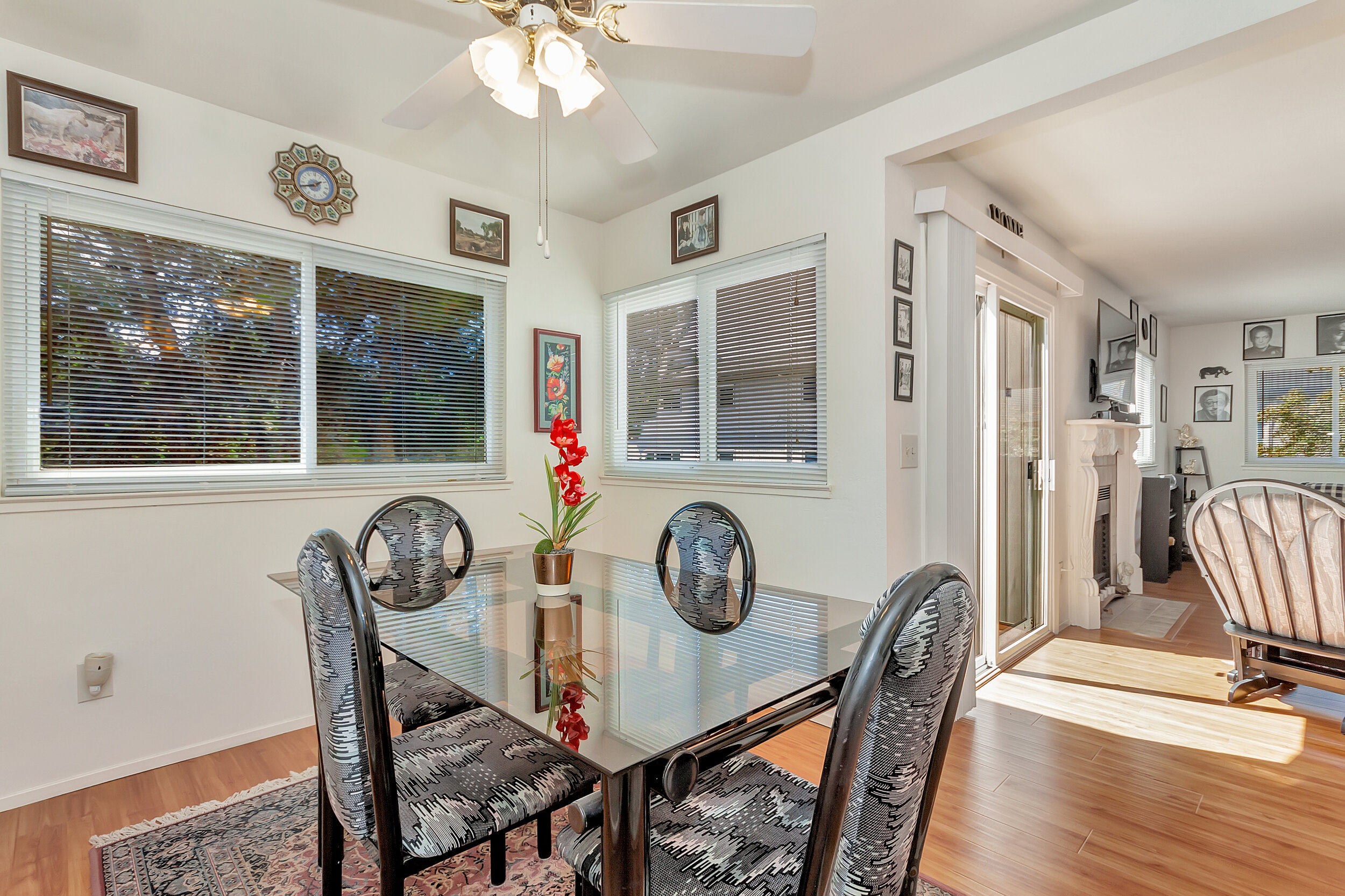 Dining nook located off of kitchen has beautiful natural light.