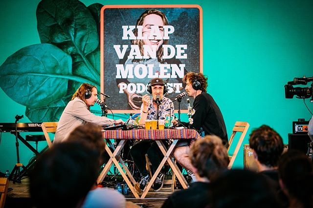 Gezellig potje radio gemaakt op @dtrh_festival, alle uitzending te beluisteren via spotify. 📷: @nathanreinds