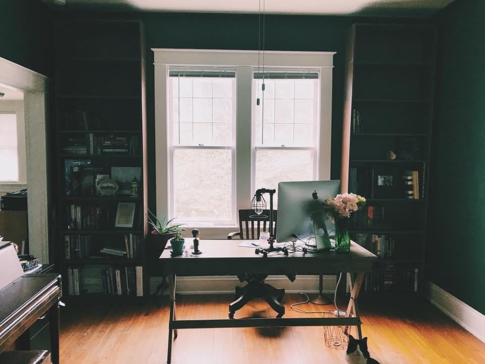 home-office-graphic-designer