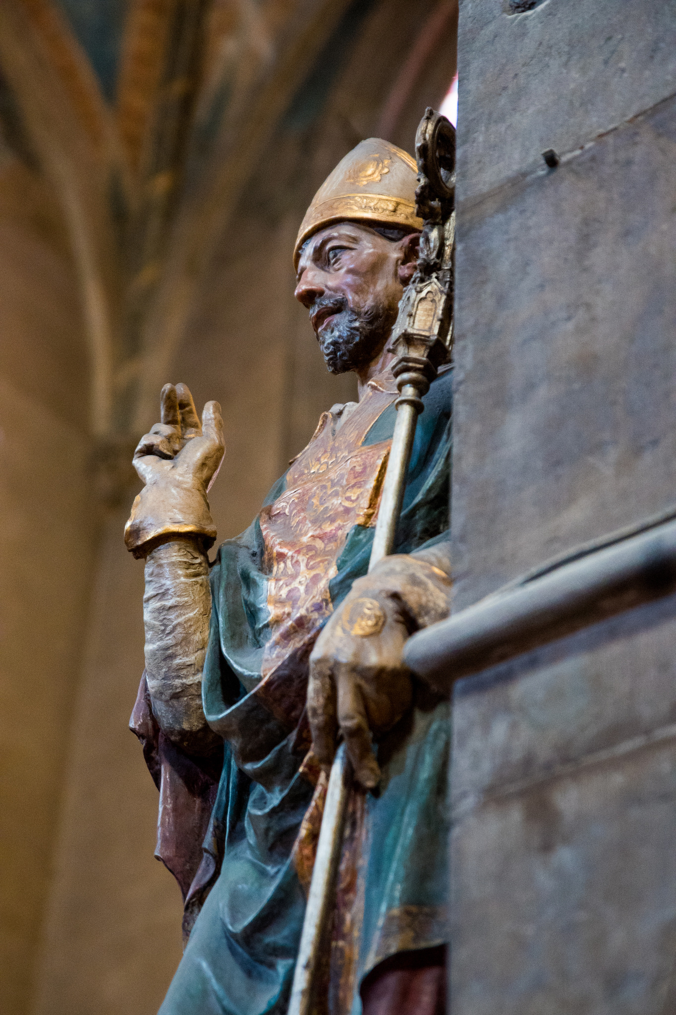This statue stands to the side of the high alter in Santa Trinita, which is otherwise relatively unadorned.