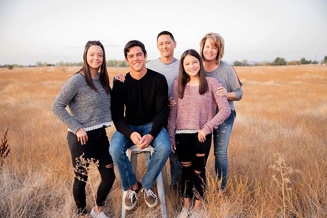 It's been a minute but I'm back with a recent family session that was killer!