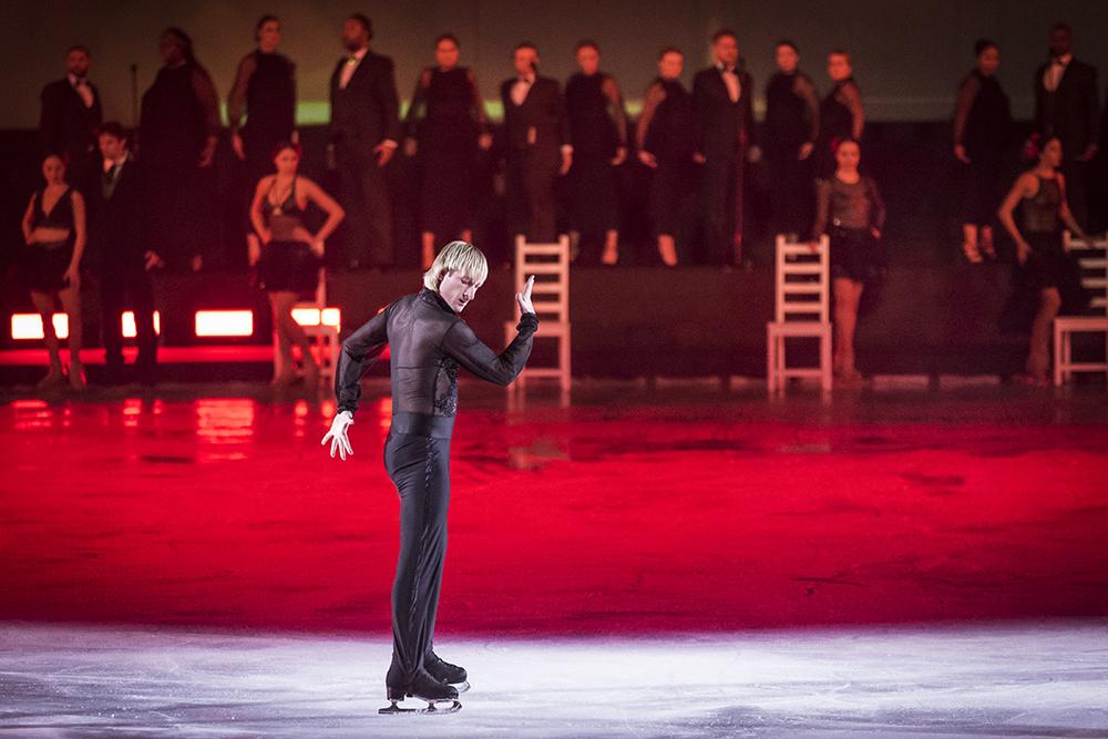 Solo Figure Skaters -Plushenko, Photo courtesy of Intimissimi