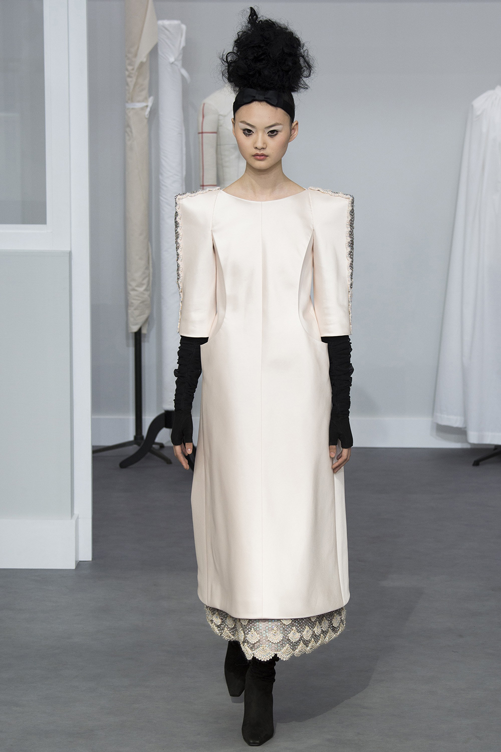 Chanel Fall 2016 Couture, @Yannis Vlamos