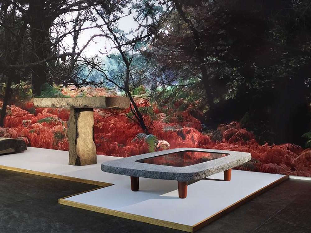 Choï Byung-Hoon (1952), AFTERIMAGE 015-437, 2015 Table made of black granite, ipe wood legs / W. 59 x D. 40 x H. 10 in. Choï Byung-Hoon (1952), AFTERIMAGE 015-446, 2015 Console made of basalt / W. 87 x D. 31.5 x H. 9.8 in. © Marie Clérin / Laffanour Galerie Downtown, Paris