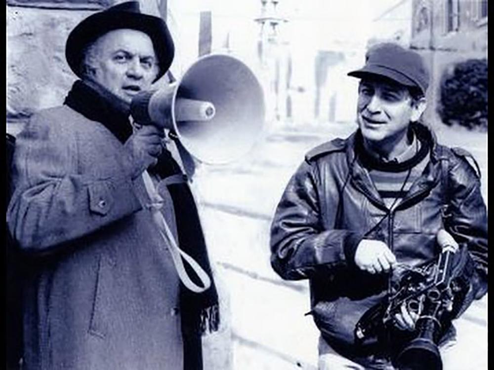 Federico Fellini on 'e la nave va' set.jpg