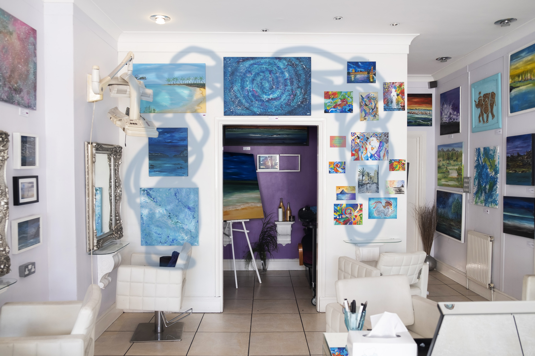 Second wall at La Zaris also available for hang, area indicated by blue brush strokes