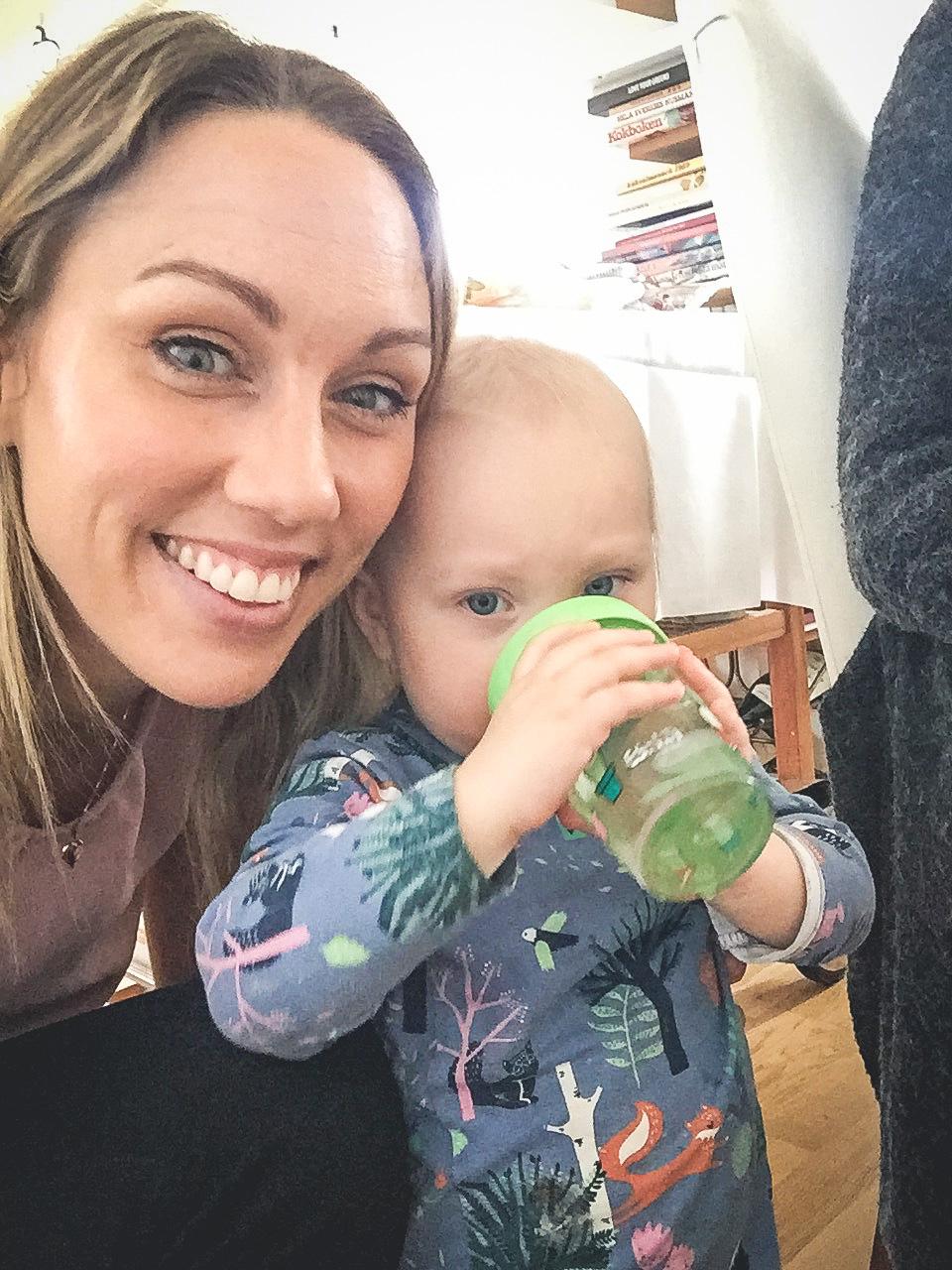 Systerdottern vill inte ta selfie med moster :(