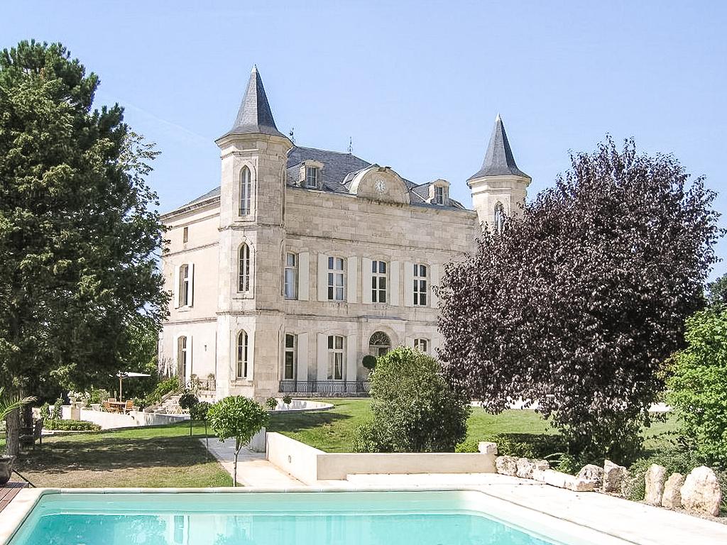 Agen+chateau+1024x768ish.jpg