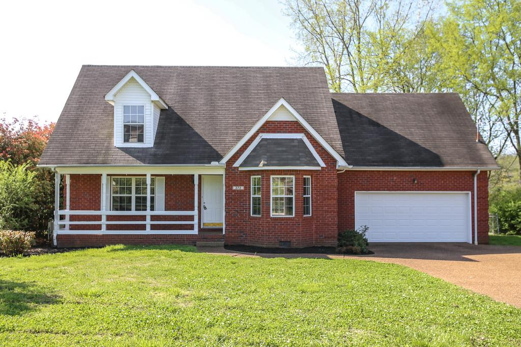 372 Clarkston Dr., Smyrna, TN   PURCHASED PRICE $265,000  3 BEDS · 2.5 BATHS · 2065 SQF