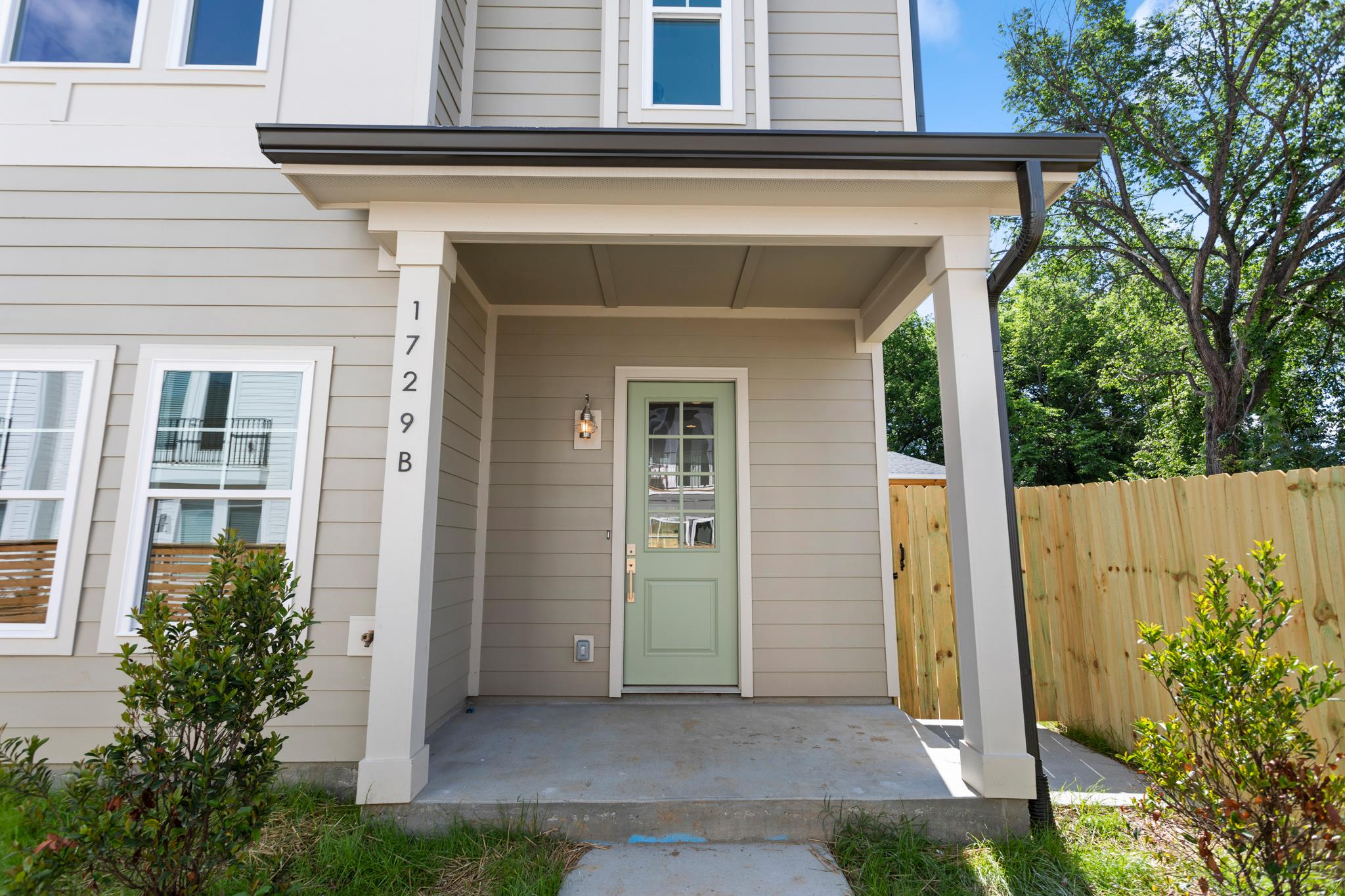 1729B Pecan Street, Nashville, TN   PURCHASED PRICE $365,000  3 BED · 2.5 BATHs · 1817 SQF