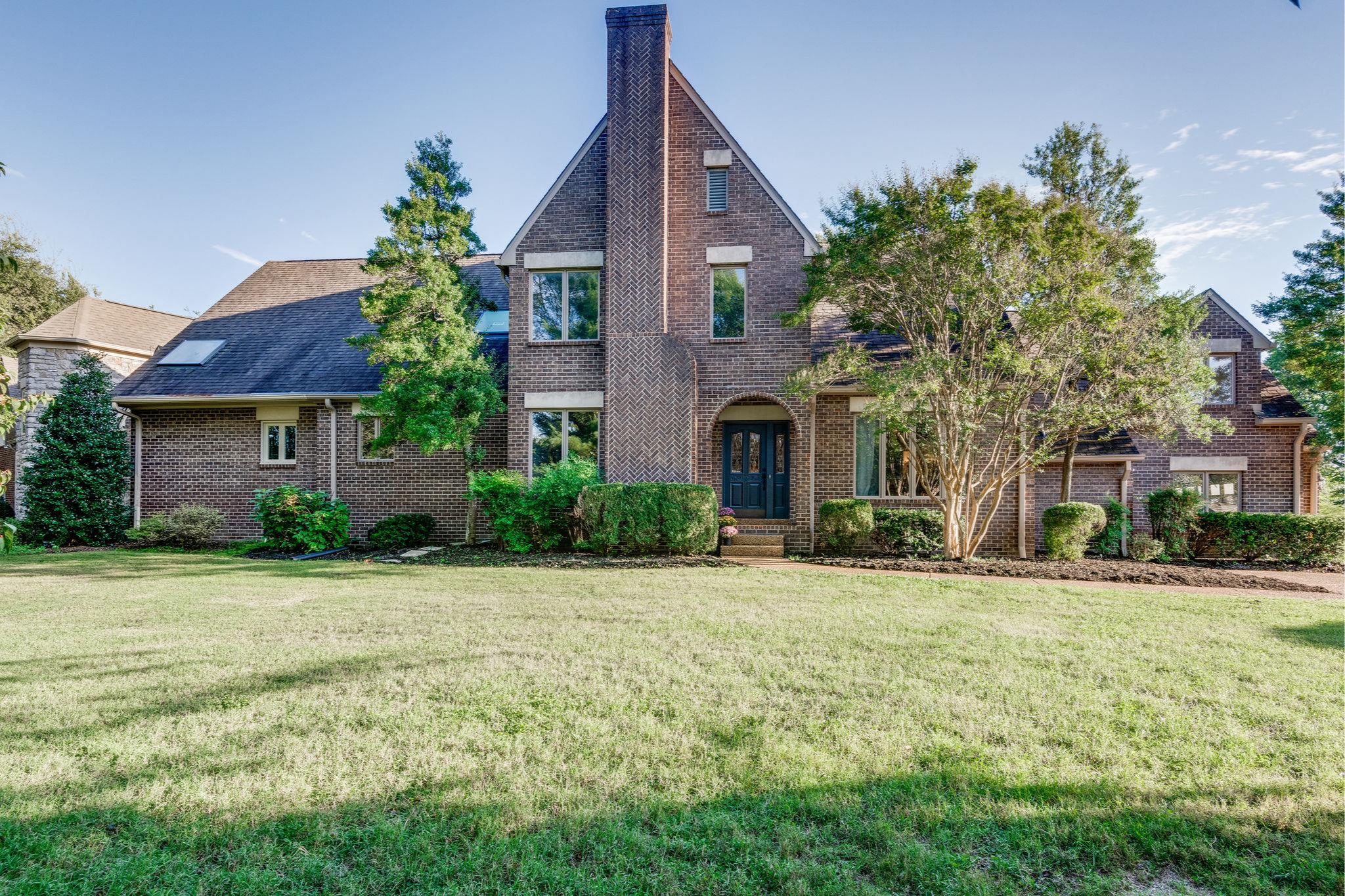 1817 Woodmont Blvd, Nashville, TN   PURCHASED PRICE $750,000  3 BED · 2.5 BATHs · 3489 SQF
