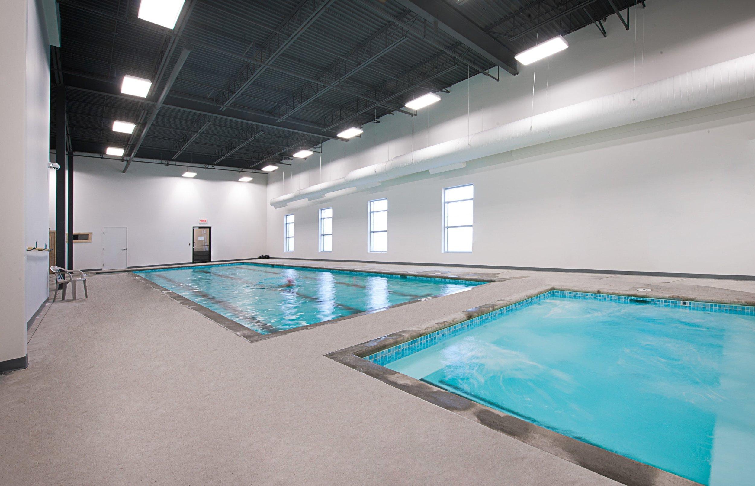 Gold_Gym_piscine-min.jpg