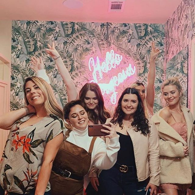 Need plans for your Wednesday night? Come hang with us, have a drink, and take a selfie in everyone's favorite bathroom 📸 #eatsoji #geauxdowntownbr #midcitybr #eatbr