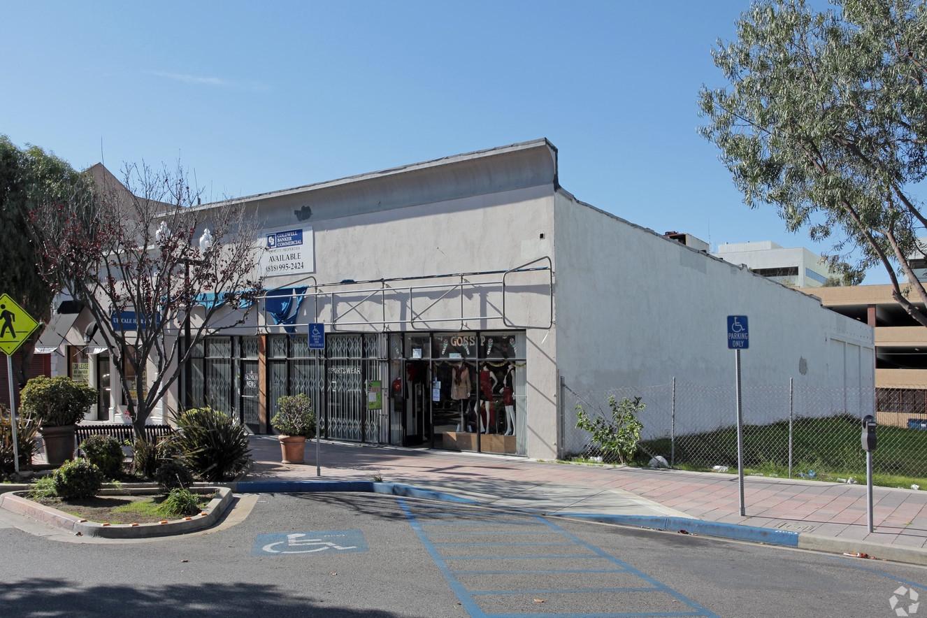 133-137 North Market Street, Inglewood, CA 90301 - LEASE RATE: $ 15.00/ SF/ YRGLA: +/- 7,500 SF