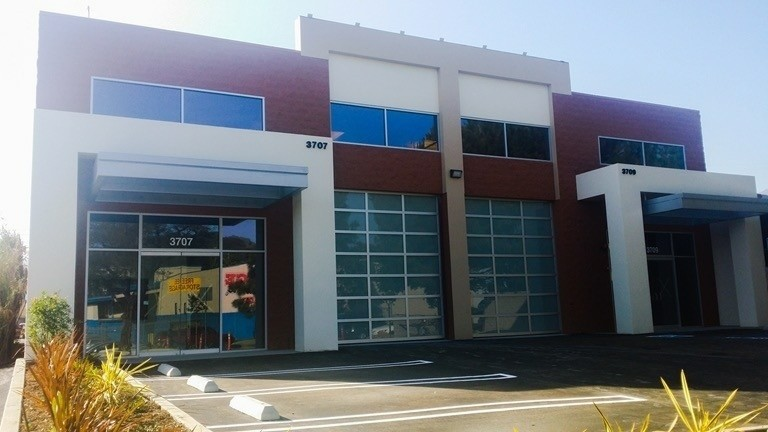 3709 Clifton Place, Montrose, CA 91020 - LEASE RATE: $ 27,00/ SF/ YRRBA: +/- 6,696 SF- Immaculate High Image Industrial Building.- 2 ADA Restrooms, 2 Private Offices.- Industrial Zoned in Commercial Area.