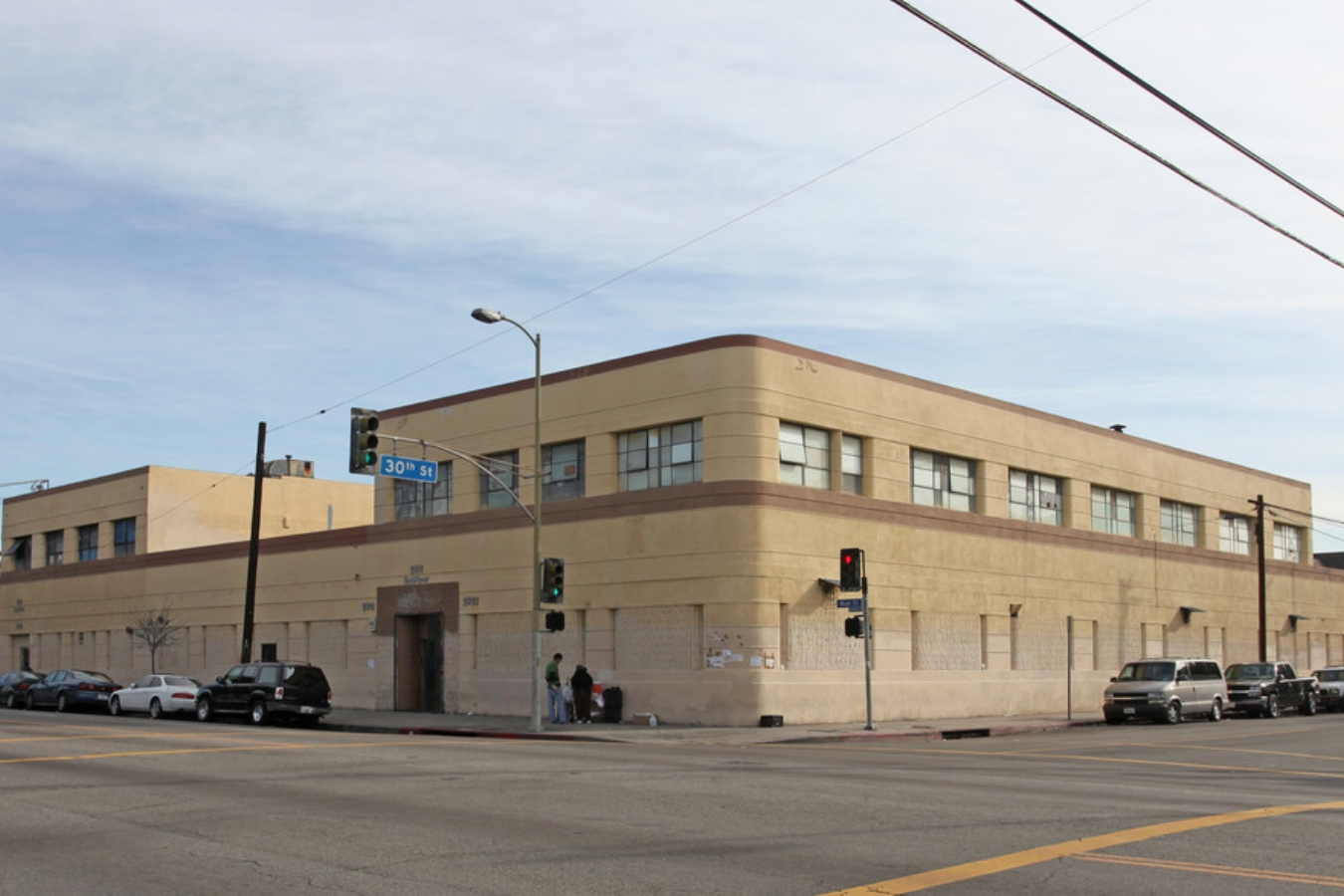 2900-2922 South MAIN STreet, LOS ANGELES, CA 90007 - LEASE RATE: $ 0.70/ SFGLA: +/- 46,250 SF- Faced Lot.- 2nd Floor Unit available for lease!- Perfect for garment manufacturing, sewing, or warehousing!- Located on the corner of Main and 30th.