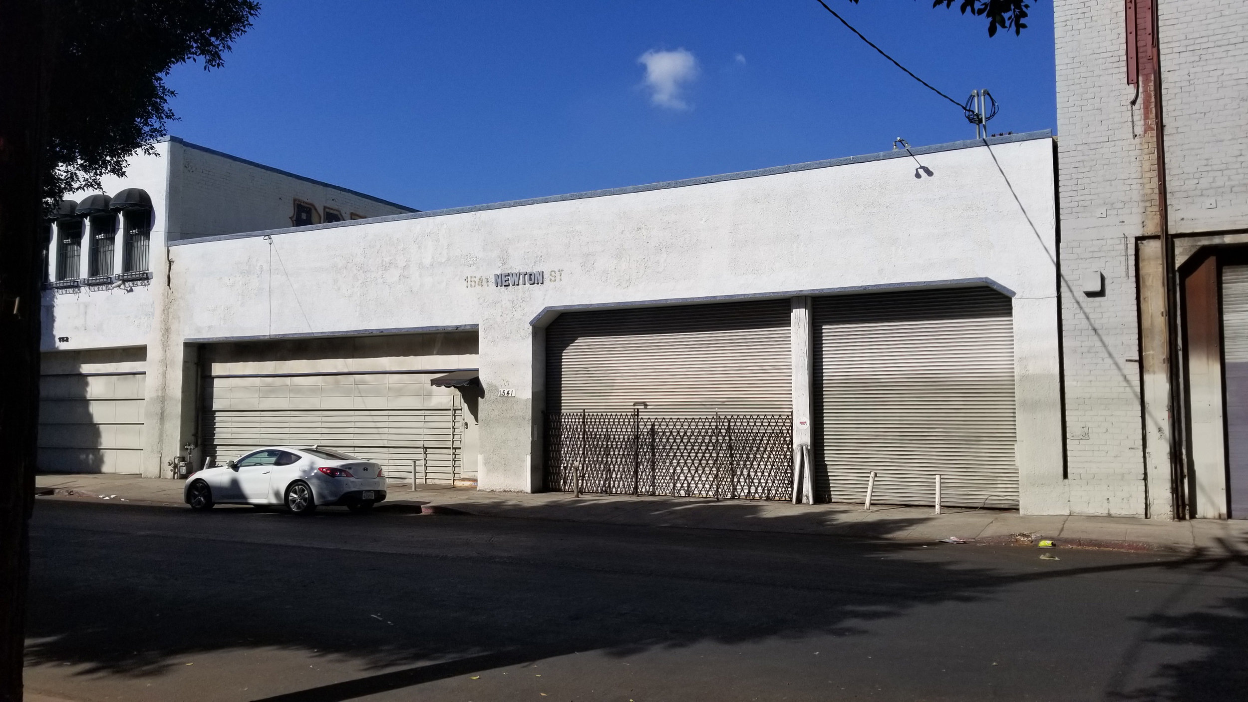1541 Newton street, los angeles, ca 90021 - - Lease Rate: $ 0.90/SF- Type: Warehouse- Leasable Space: 10,000 SF (Office: 960 SF)
