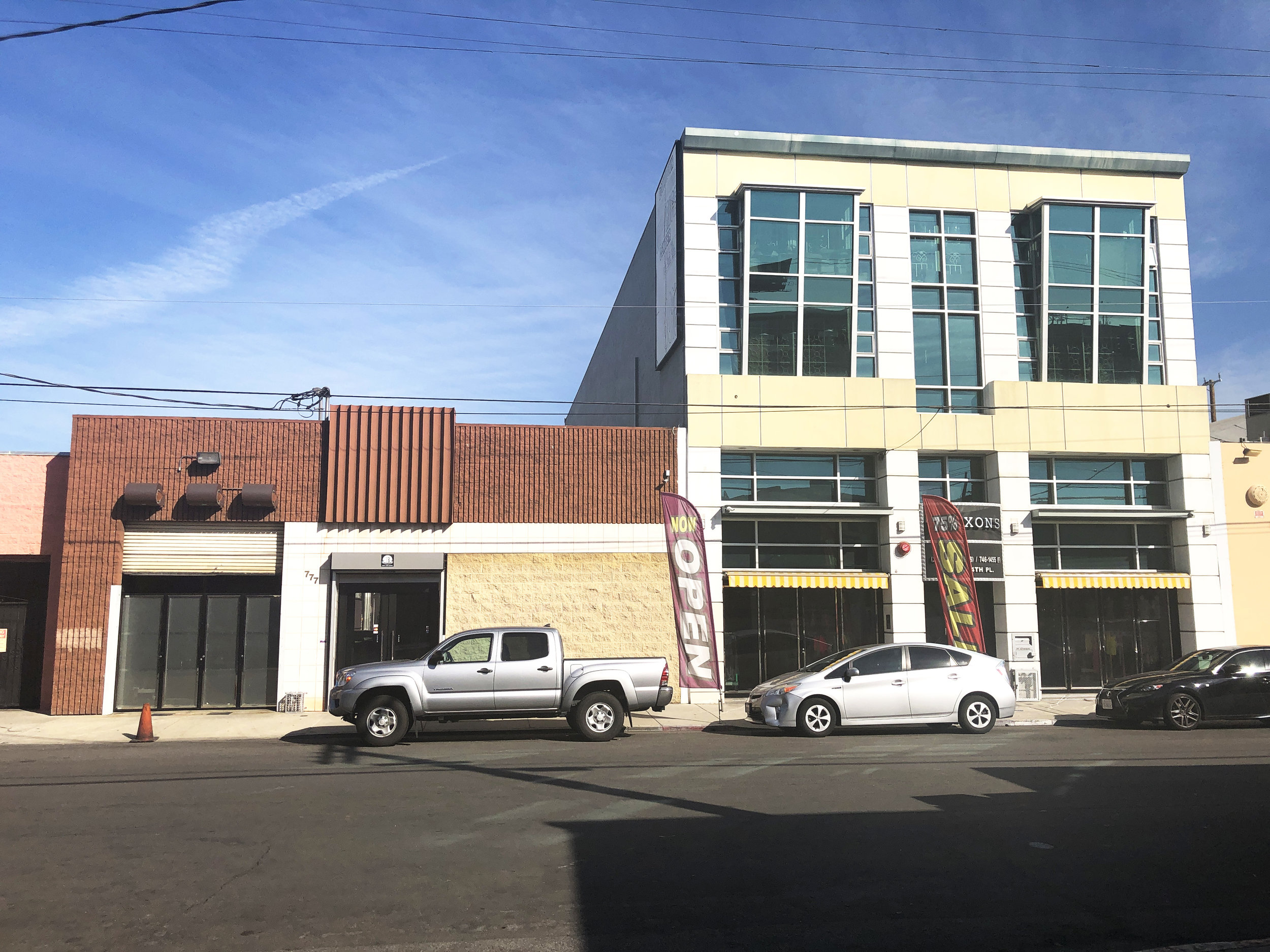 777-781 EAST 14TH PLACE, LOS ANGELES, CA 90021 - - Asking Price: $5,000,000- Property Type: Industrial- Building Size: +/- 13,816 SF- Lot Size: +/- 12,648 SF